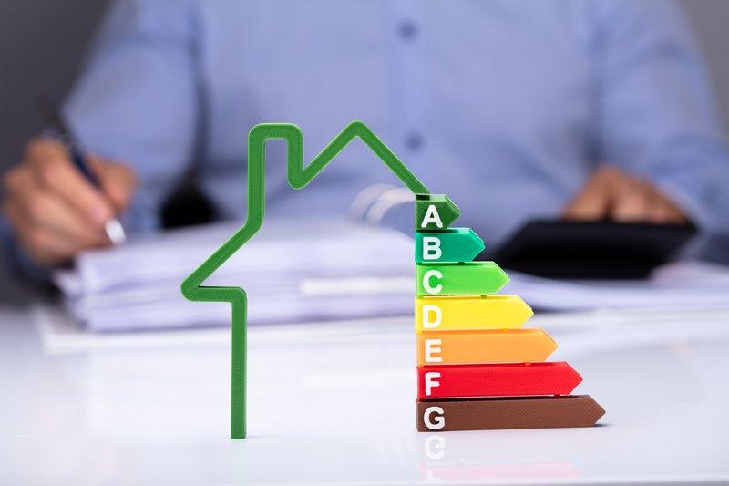 Schematische Darstellung von Energielabels (Illustration)
